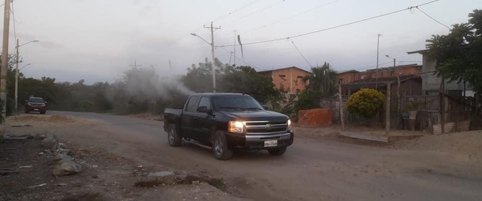 FUMIGACION REALIZADA CON MAQUINA EN LA PARROQUIA CARCABON.